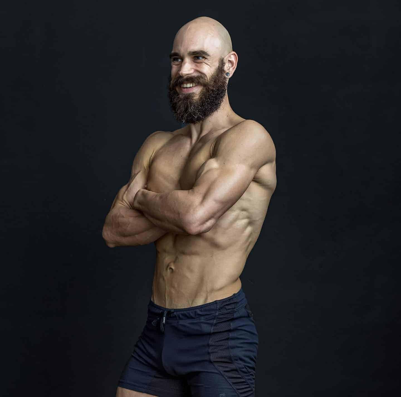 Daniel petras competidor WNBF entrenador personal en escuela culturismonatural