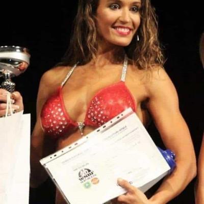 Nadia Cruz campeona Mundial 2017 WNBF SPAIN Escuela culturismo natural