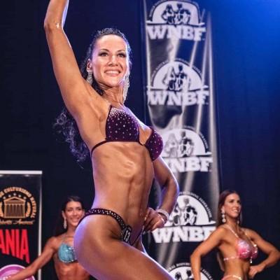Campeonato WNBF mallorca españa categoria bikini fitness